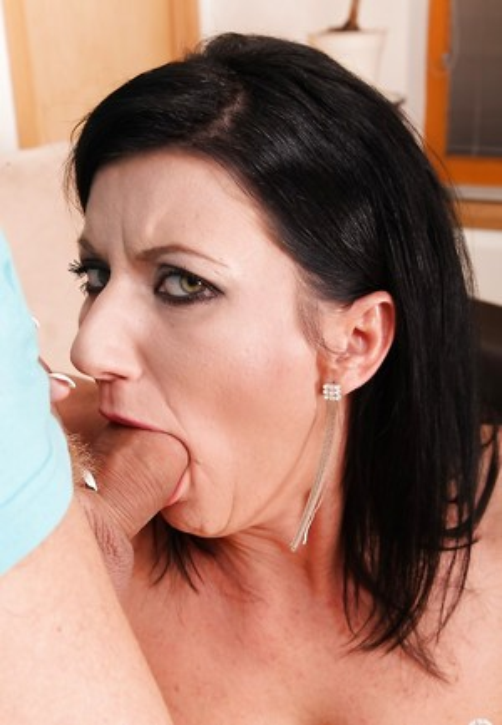 Hard Deepthroat Pics