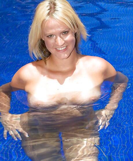 Wet Girls in Pool Pics