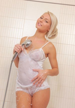 Shower Pussy Pics